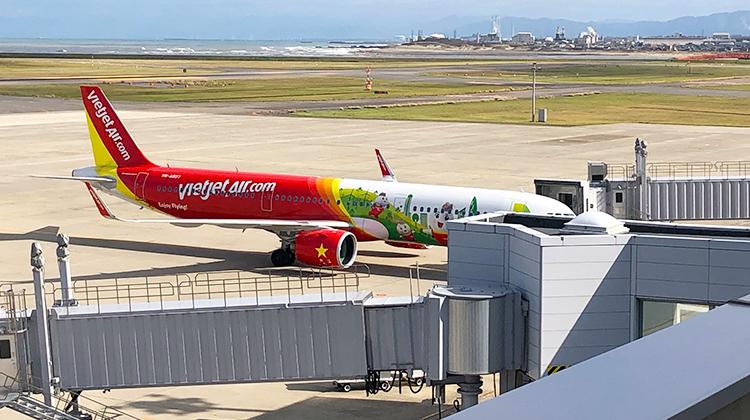新潟空港から出発するベトジェットエアー